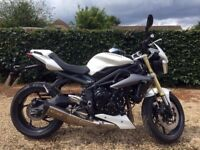 Triumph Street Triple 675cc ABS 2015 + Extras & New Tyres