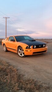 08 ford mustang