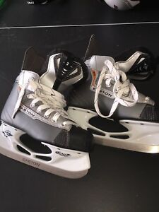 Child Easton skates