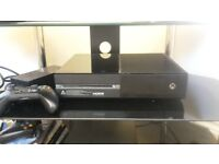 xbox one with about 30 games on