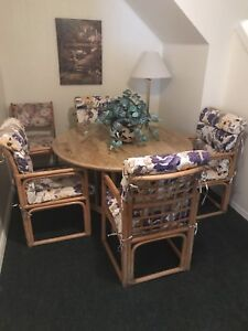 Beautiful Ratan Table and Chairs