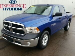 2016 Ram 1500 ST LOADED ST 4X4 CREW CAB WITH ALLOYS  V8 AND FACT