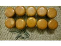10 Wooden knobs