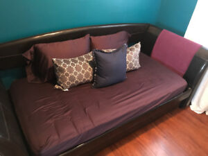 Faux leather trundle bed with mattresses