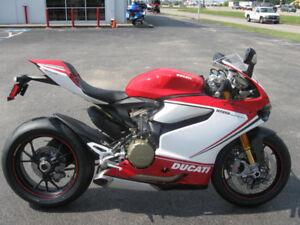 RECHERCHE Ducati panigale TRICOLOR 2013