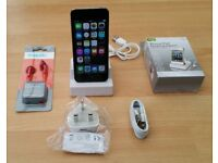 iPod Touch 5th Gen, iSight Camera, 16GB, Great Condition + Extras
