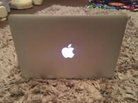 Apple MacBook Pro Retina 13inch (Late 2013) + Apple Magic Mouse
