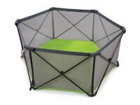 Summer infant pop up play pen with balls