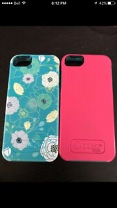 Two otterboxes for iPhone 5s