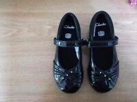 Black shoes size 9