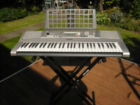Keyboard with Stand - Yamaha
