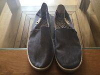 Hilfiger Size 9 Denim Casual Slip on Shoes