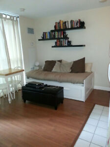 Bachelor for Rent in Beautiful Harbourfront District