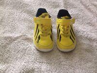 Kids Adidas trainers size 5uk infants