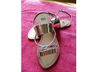 Girls New Look Gold Sandals Size 4 UK Brand New!!!
