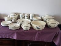 Vintage Royal Doulton Lambethware Hill Top Dinner Service 37 pieces