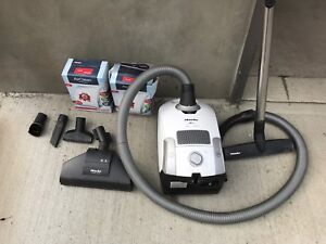 Miele vacuum system - great condition