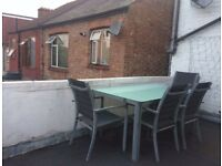 Lovely double / single room with private office
