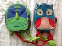 Kids backpack with harness