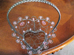Heart shaped metal backet with beads