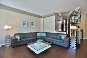 CONTEMPORARY GRAY LEATHER SECTIONAL!