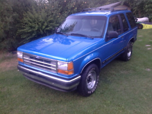 1992 Ford Explorer SUV, Crossover