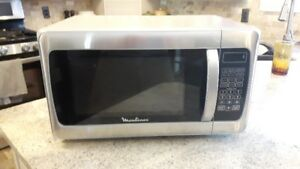 Moulinex 1.1 stainless steel microwave oven