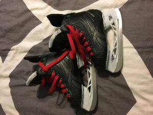 Size 11 junior Reebok skates in great condition