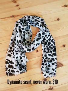 Dynamite scarf