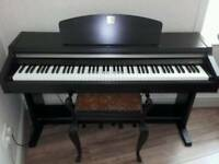 Yamaha Clavinova Digital Piano CLP-920 For sale. Excellent condition
