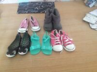 Girls size 8&9 converse and sandals