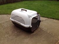 """Dog Transporter Crate - White Brown Plastic - 24""""x 16""""x 15"""" approx"""
