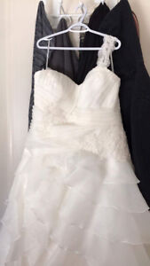 Romantic Bridal Wedding Dress NEVER WORN 22X