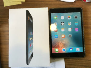 iPad mini 1. 64gb.Wifi and Cellular. Excellent Condition.