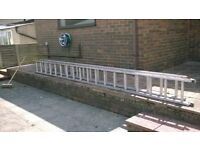 Double Extending Aluminium Ladder