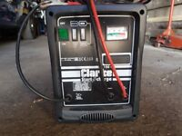 Clarke battery charger like new