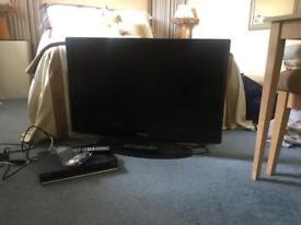 Samsung 37 inch tv hardly used+ free sat box