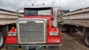 2005 Freightliner FLD 120 Classic