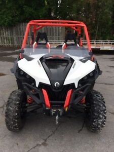 2015 Can-Am Maverick X xc DPS 1000R Black, White  Can-Am Red