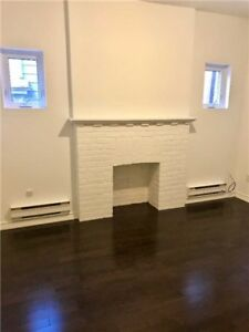 2 bedroom Appartment - Danforth Ave