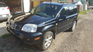 2006 Nissan X-Trail LE with Navigation
