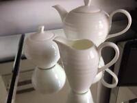 Linea Teapot, milk jug and sugar bowl