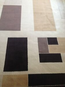 Large beautiful modern area rug with two new door mats !!