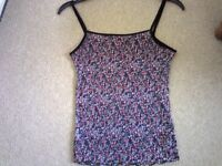 Beautiful flowery matching top and skirt.......NEVER WORN.....a whole outfit for £5 !