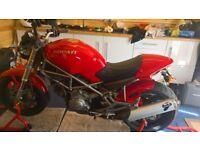 Ducati M900 Monster
