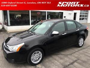 2009 Ford Focus SE! New Brakes! A/C! Steering Controls! Keyless!