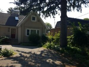 Four Bedroom 3.5 Bathroom with in law suite Cawthra and QEW
