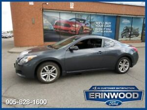 """2010 Nissan Altima 2.5 SCoupe / 6-Speed / ROOF / 17"""" WHLS"""