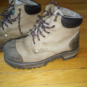 STEEL TOP DACOTA WORKING SHOES BY OAKLEY SIZE 8 PERFECT CONDITN.