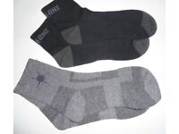 Mens On One Sports Running Short Socks. 1 Grey pair, & 1 Black pair. Size 3-9